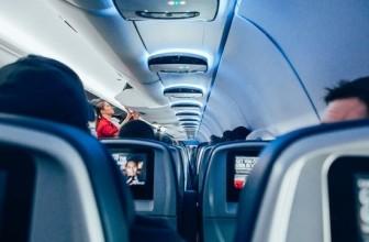 Стюардессы в памперсах: зачем чиновники вводят невыполнимые правила безопасности
